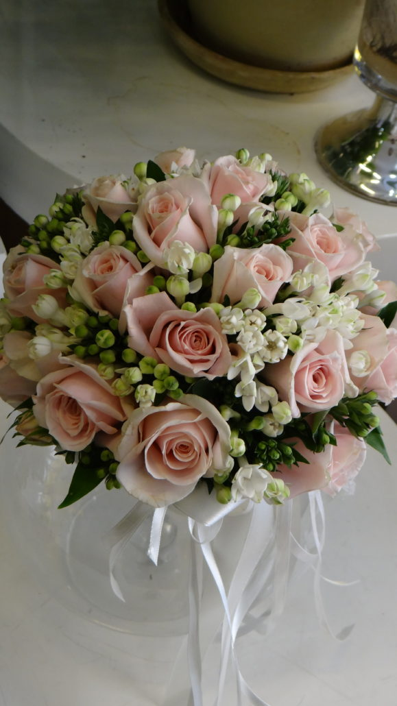 Bouquet Sposa Con Rose.Bouquet Rose Sweet Akito E Bovardia Floricoltura Ruggeri